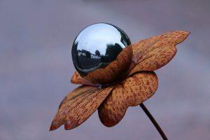 Reflective flower
